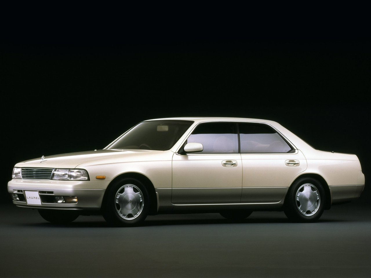 Nissan Laurel VII