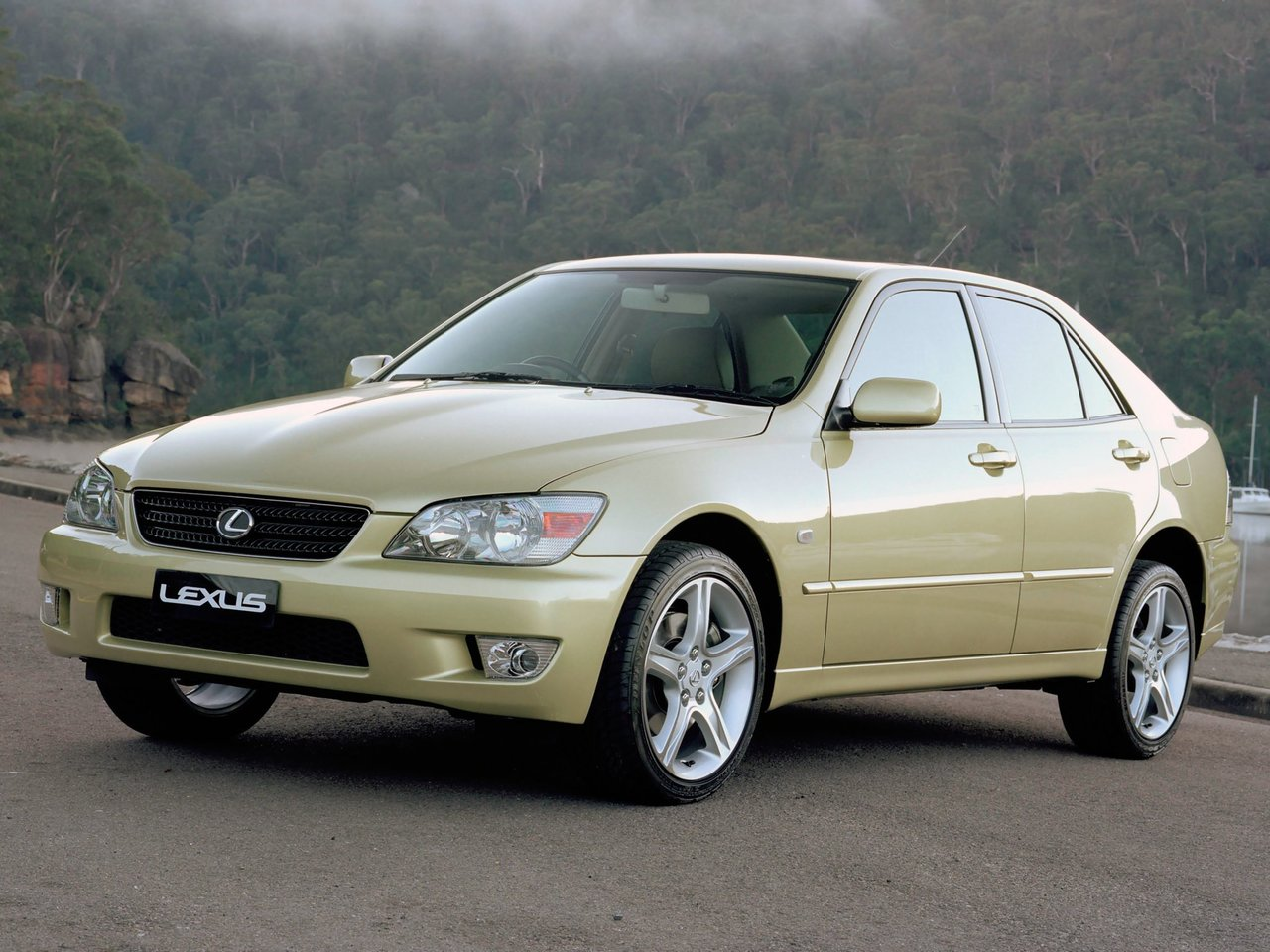 Lexus IS I