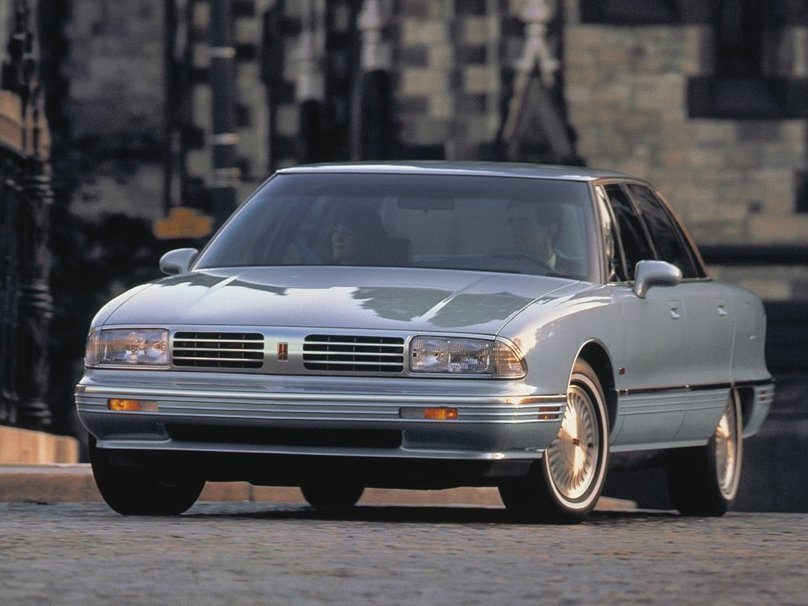Oldsmobile Ninety-Eight XI