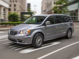 Chrysler Town & Country V рестайлинг