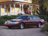 Lincoln Town Car III , седан (1997 - 2003)